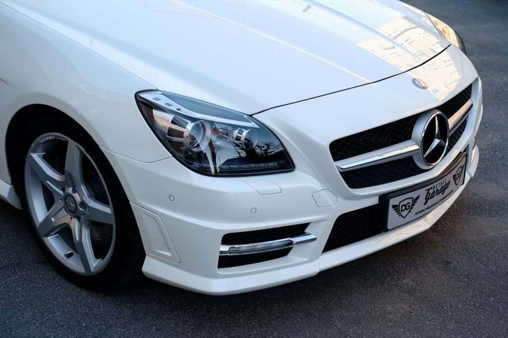 white mercedes SLK series front bonnet